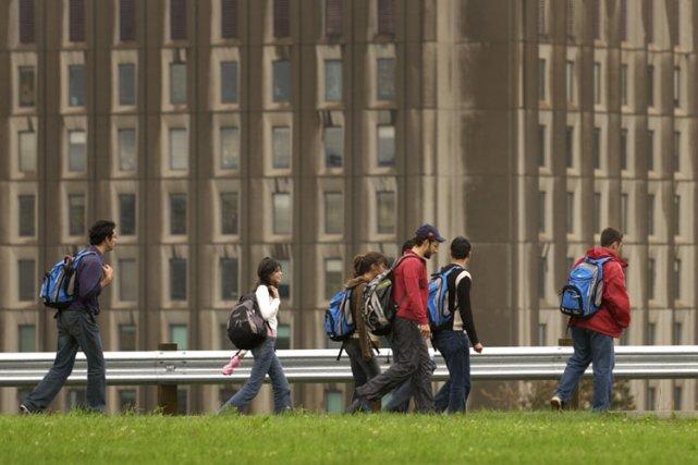 Selon une nouvelle étude, les étudiants devraient payer... (Archives La Presse)