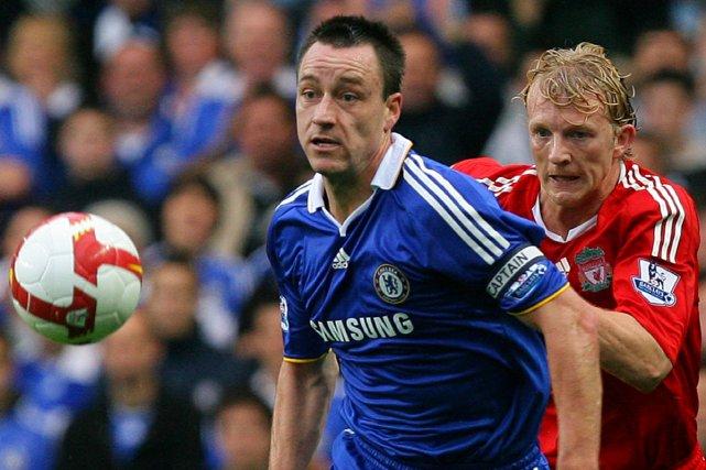 Le capitaine de Chelsea, John Terry, est pressé... (Photo: AFP)