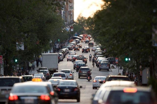 Québec investit des milliards de dollars dans le transport routier pour la... (Archives La Presse)