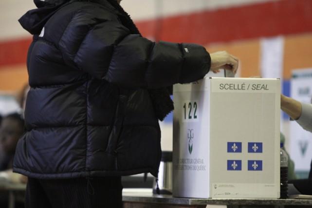 Jean Charest envisage de déclencher des élections, un scrutin que désapprouvent... (Photo: La Presse)