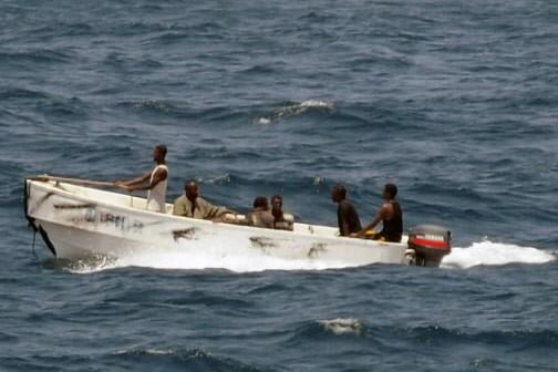 Des pirates naviguent au large de la Somalie.... (Photo: AP)