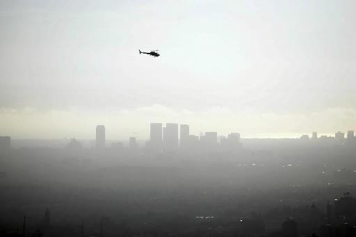Vue de Los Angeles dans le smog.... (Photo: AFP)