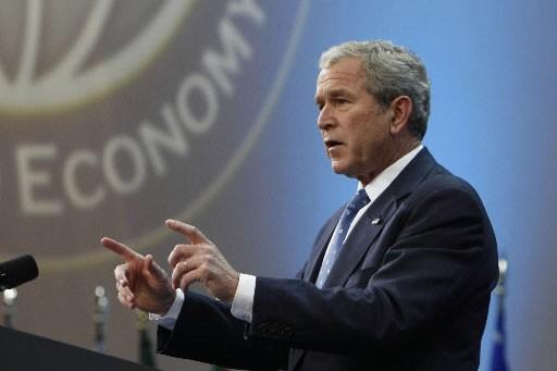 George W. Bush livre un discours au G20.... (Photo: Reuters)