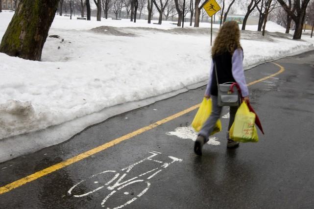 Une piste cyclable déneigée, à Montréal.... (Photo: François Roy, La Presse)