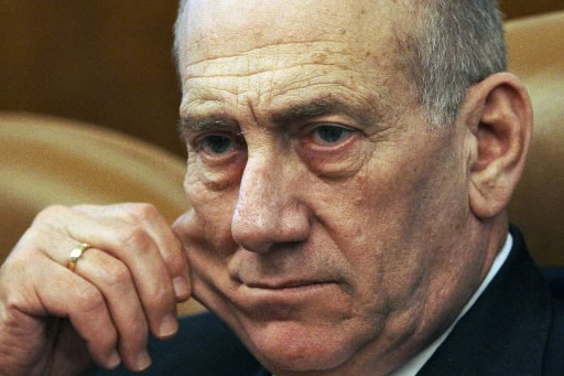 Ehud Olmert... (Photo: AP)