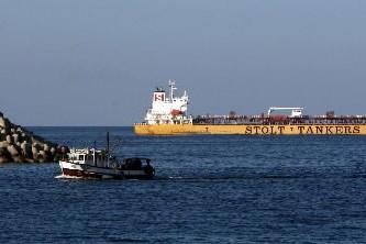 Des bateaux de pirates naviguent au large de... (Photo: AFP)