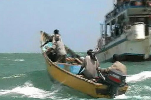 Des pirates naviguent au large de la Somalie.... (Photo: Reuters)
