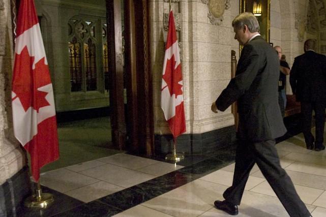 Afin d'éviter de plonger les finances du pays... (Photo La Presse Canadienne)