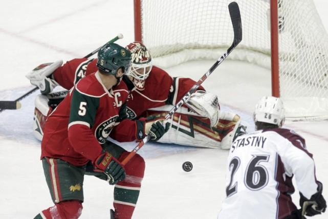 Paul Stastny a récolté deux buts et une passe, lundi, pour aider l'Avalanche du... (Photo: AP)
