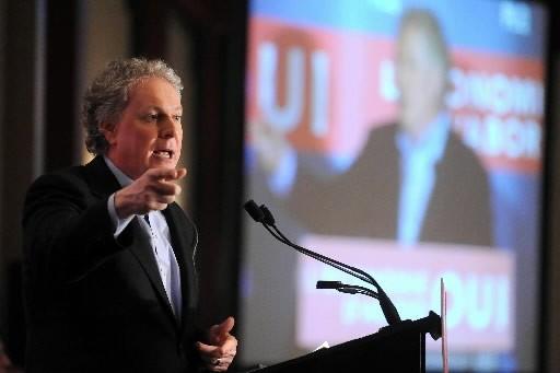 Jean Charest déplore la montée du «Quebec bashing»dans la foulée dela crise... (Photo: La Tribune)