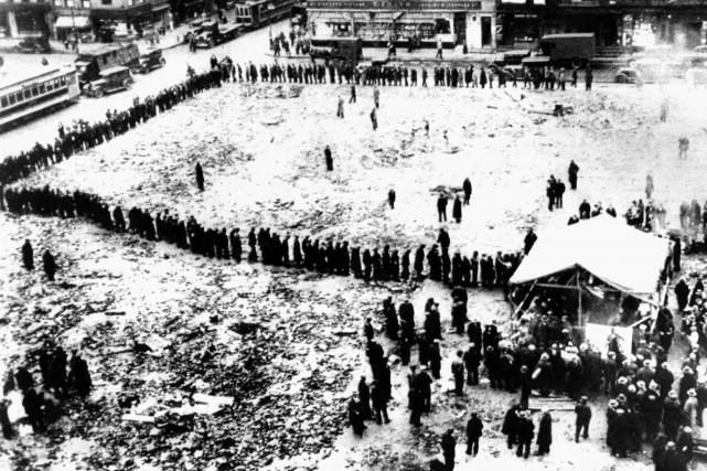 En 1929, les églises de Montréal distribuent du... (Photo: Archives La Presse)