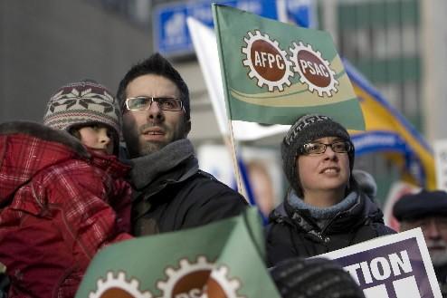 À Montréal, plusieurs centaines de personnes ont manifesté... (Photo: André Tremblay, La Presse)