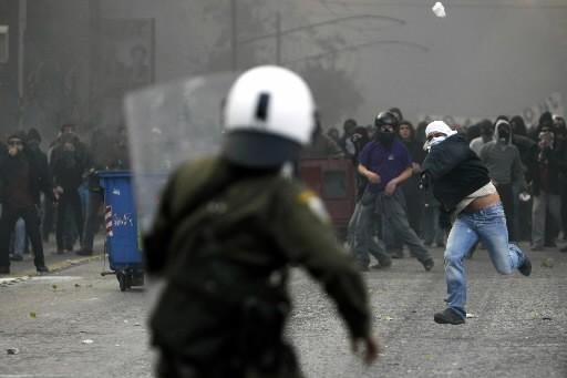 Alexis Grigoropoulos, l'adolescent dont la mort samedi a déclenché les émeutes... (Photo: Reuters)