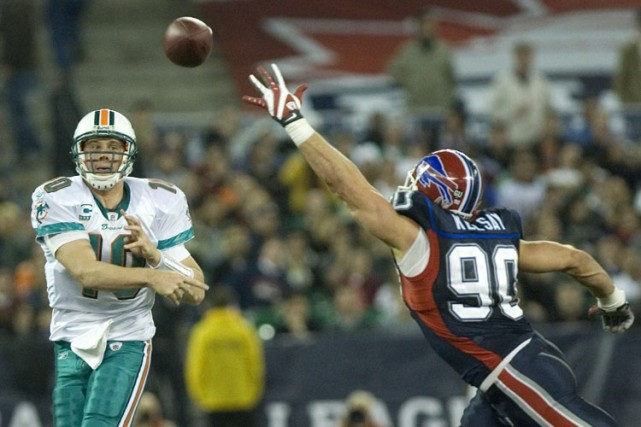 Les Dolphins de Miami ont battu les Bills de Buffalo 16-3, dimanche, remportant... (Photo: PC)