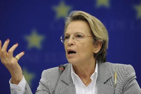 La ministre de l'Intérieur Michèle Alliot-Marie... (Photo: AFP)