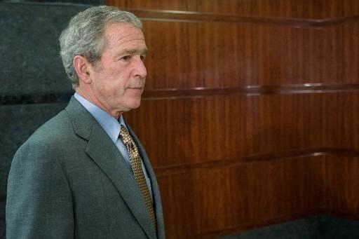 Le président américain George W. Bush a déclaré lundi que l'Evolution était une... (Photo: AFP)