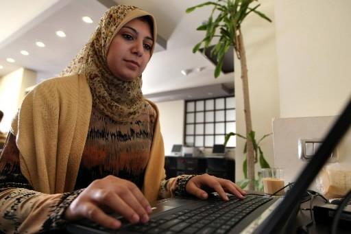 La journaliste et blogueuse féministe Yomna Mokhtar a... (Photo: AFP)
