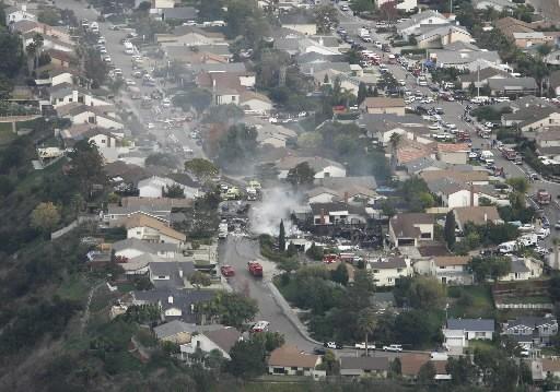 uUn F/A-18 des Marines s'est écrasé sur deux... (Photo: AP)