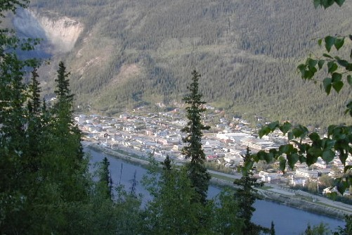 Le village de Dawson, au Yukon, photographié du... (Photo: Archives La Presse)