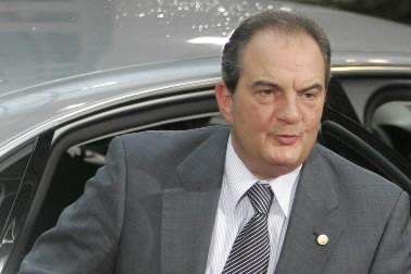 Le premier ministre conservateur grec Costas Caramanlis.... (Photo: AP)