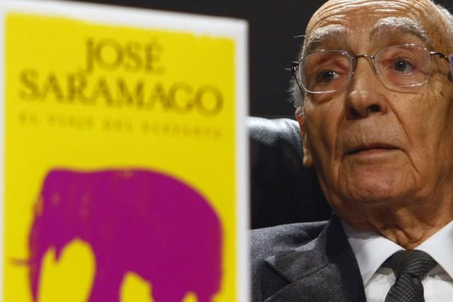 José Saramago a présenté son dernier livre, Le... (Photo: Reuters)