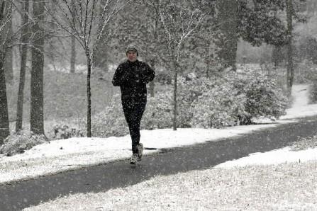 Comment s'habiller pour le jogging en hiver?... (Photo: archives Reuters)