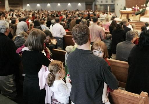 Un église évangélique pleine à craquer pour une... (Photo: AP)