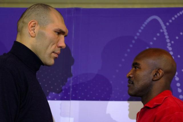 Champion WBA après la blessure du tenant du... (Photo: AFP)