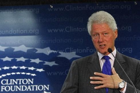 Le monde entier a ouvert son portefeuille pour Bill Clinton: son épouse Hillary... (Photo: Reuters)