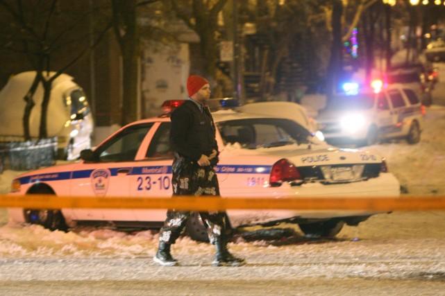 «Les gars qui les ont tués devaient vendre de la drogue eux aussi», a glissé un... (Photo: Martin Chamberland, La Presse)