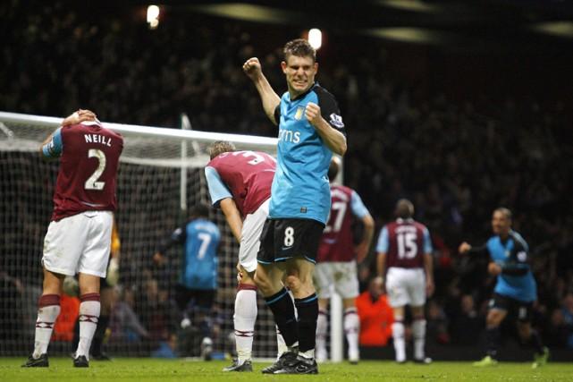 Aston Villa a pris samedi la troisième place du championnat d'Angleterre aux... (Photo: AFP)