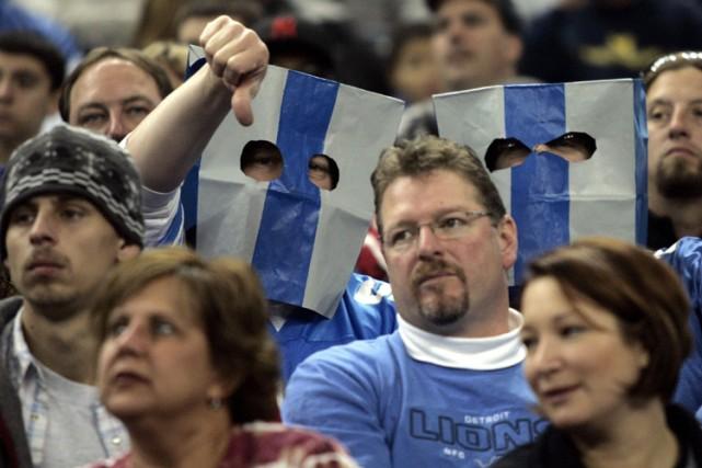 Les spectateurs affichent leur mécontentement envers leur équipe.... (Photo: Reuters)