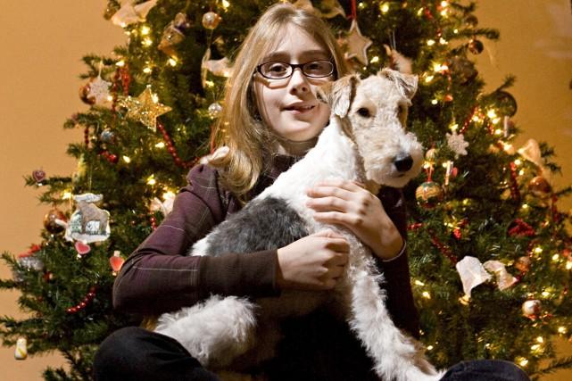 Madison Cusson, gagnante du concours, avec son chien... (Photo: François Roy, La Presse)