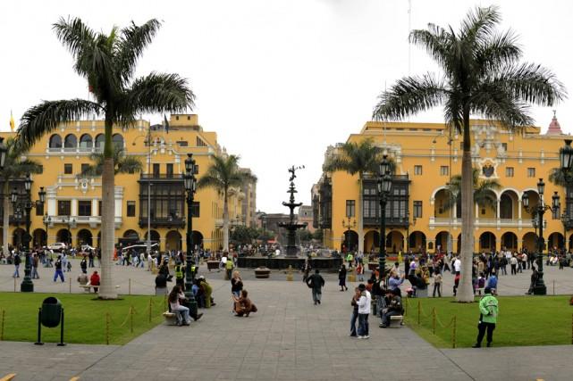 La Place d'Armes, dans Lima Centro.... (Photo: Sébastien Templier, La Presse)