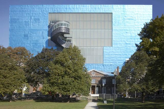 Frank Gehry a mis des oreilles au Musée... (Photo: AGO)
