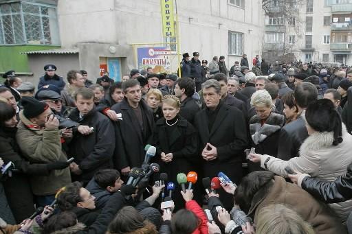 Le président de l'Ukraine, Viktor Yushchenko, et la... (Photo: AFP)