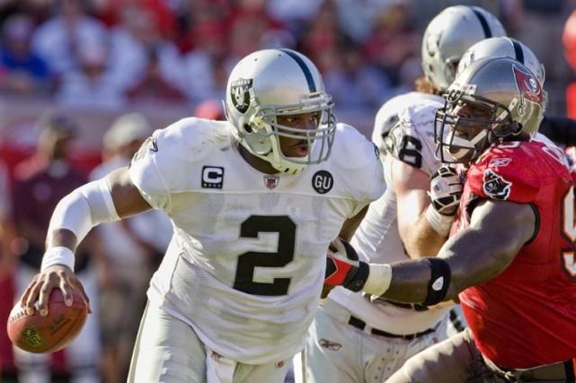 Michael Bush, le demi à l'attaque no 3 des Raiders, a amassé un sommet... (Photo: Reuters)