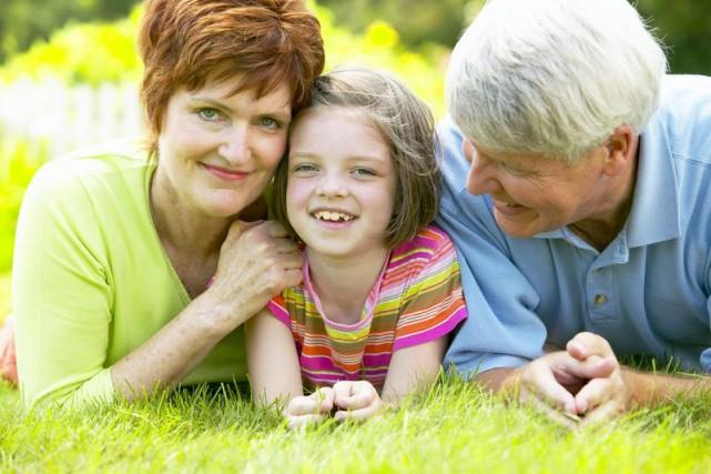 Cinq mille grands-parents bulgares se sont inscrits pour toucher, à partir du...