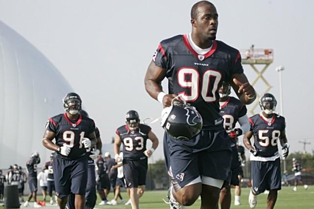 Après une saison de 8-8, les Texans de Houston ont congédié le coordonnateur à... (Photo: AP)
