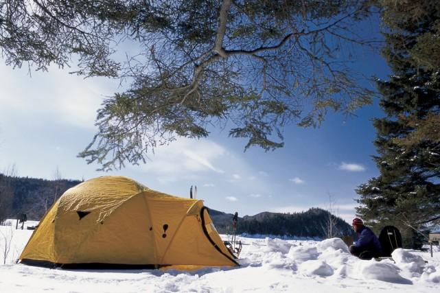 Le nombre d'adeptes du camping hivernal ne cesse... (Photo: SEPAQ)