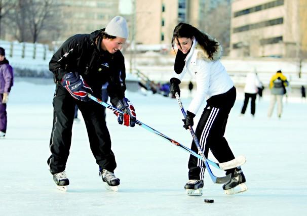 Les patineurs envahissent le canal philippe orfali for Patinage exterieur quebec