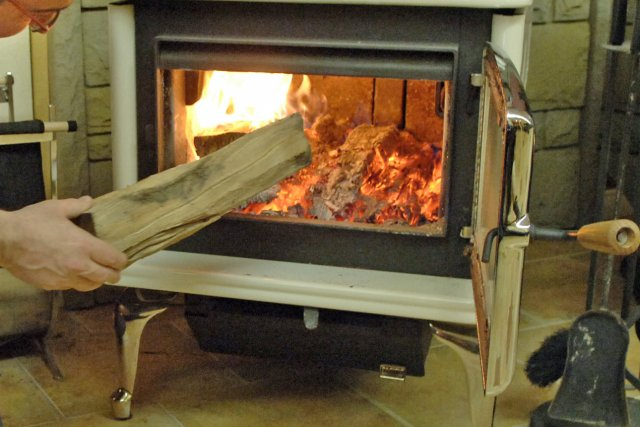 Po les bois les normes antipollution en vigueur d s for Normes poele a bois