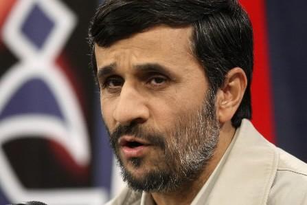 Mahmoud Ahmadinejad... (Photo: AP)