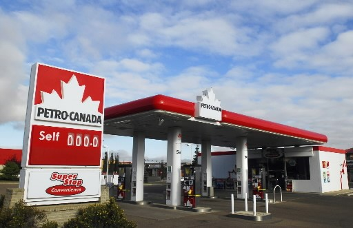 Après avoir tenté de lui forcer la main, le gouvernement Charest sollicite... (Photo: La Presse Canadienne)