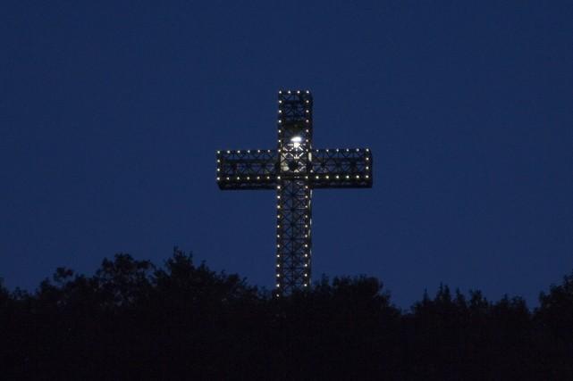 La croix du mont Royal sera de nouveau... (Archives La Presse)