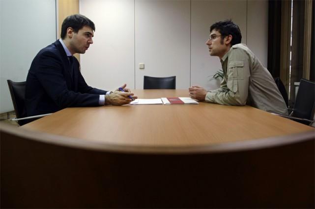 Durant une entrevue, l'important est d'établir une relation... (Photo archives Reuters)