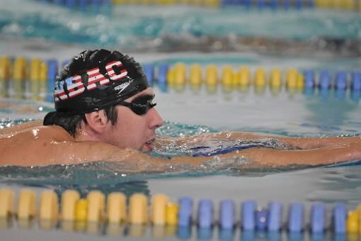 Michael Phelps essaiera une nouvelle technique en style libre quand il renouera... (Photo: AP)