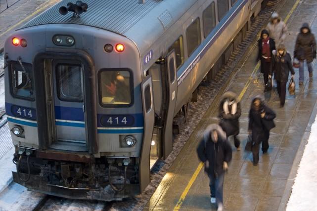 Un train de banlieue de la ligne Deux-Montagnes... (Photo: David Boily, La Presse)