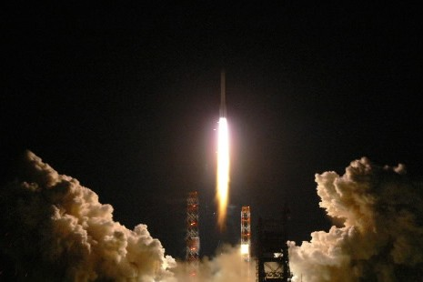 Lancement de deux satellites de communications russes depuis... (Photo: AFP)