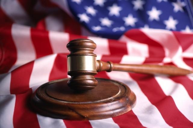 La Cour Suprême a décidé lundi de se pencher sur une requête déposée par des...